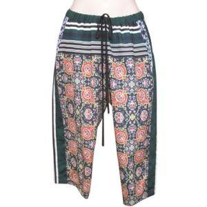 Like New Clover Canyon Print Crop Capri Pants  M
